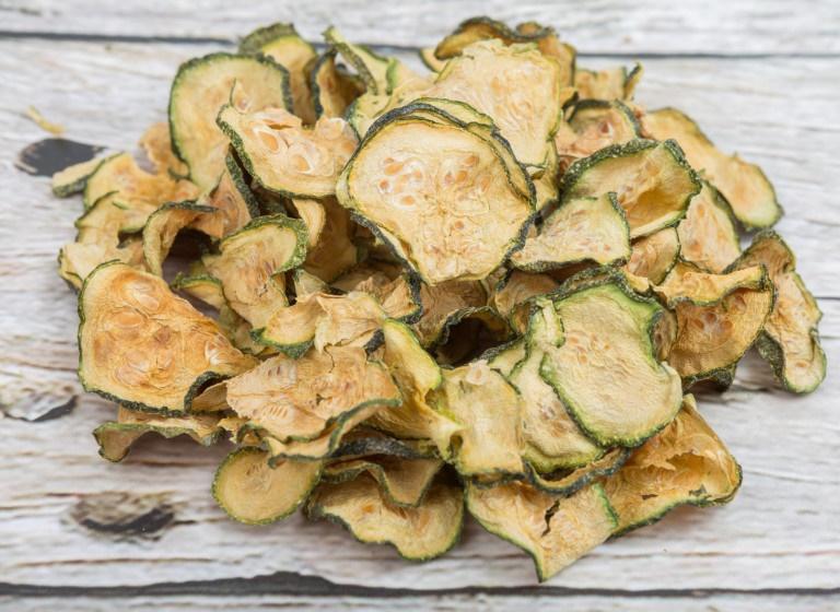 Essiccazione: patatine di zucchine
